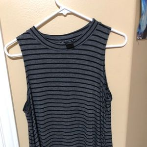 Tops - Striped gray top